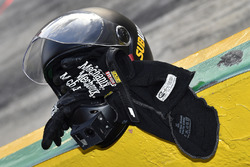 Daniel Suárez, Joe Gibbs Racing Toyota crew helmet