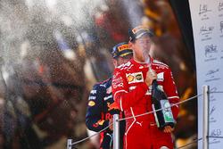 Подиум: обладатель второго места Себастьян Феттель, Ferrari