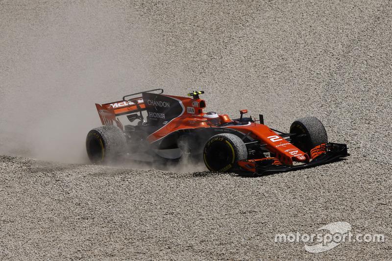 Abandon : Stoffel Vandoorne (McLaren-Honda)