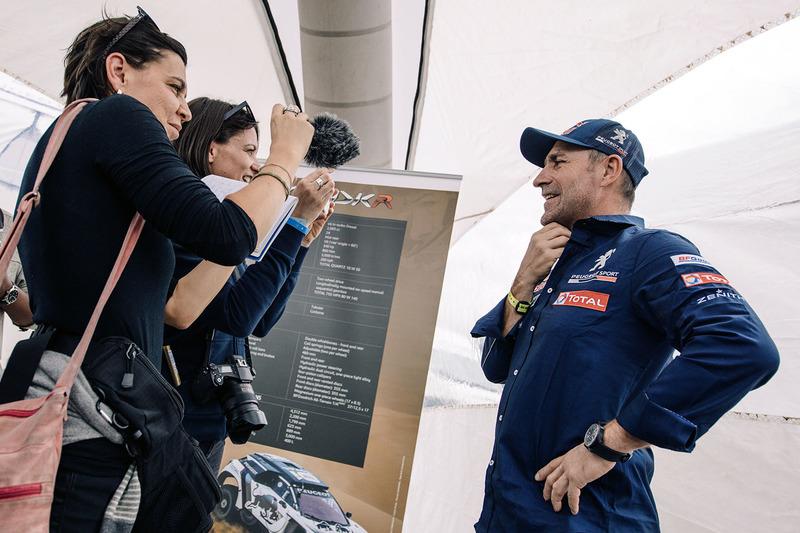 Stéphane Peterhansel, Peugeot Sport with the media