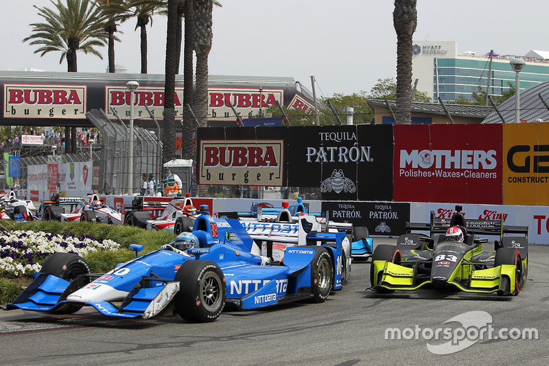 Tony Kanaan, Chip Ganassi Racing. Honda; Charlie Kimball, Chip Ganassi Racing. Honda