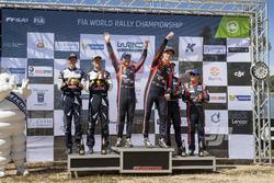 Podium: Ganadores, Thierry Neuville, Nicolas Gilsoul, Hyundai i20 Coupe WRC, Hyundai Motorsport, segundo, Sébastien Ogier, Julien Ingrassia, M-Sport, Ford Fiesta WRC, tercero, Dani Sordo, Marc Marti, Hyundai Motorsport, Hyundai i20 Coupe WRC