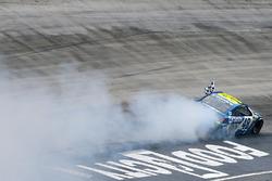 Yarışın galibi Jimmie Johnson, Hendrick Motorsports Chevrolet