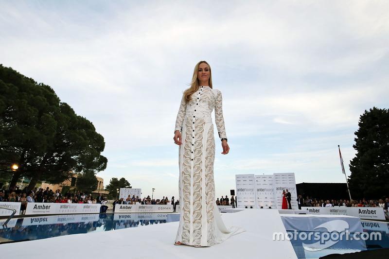 Carmen Jorda, Renault Sport F1 Team piloto de desarrollo en el Amber Lounge Fashion Show