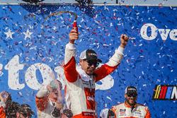 Kyle Larson, Chip Ganassi Racing, Chevrolet Camaro ENEOS celebrates