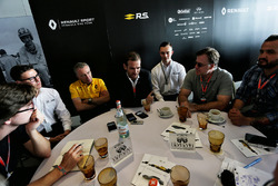Alexandros Paleologos, INFINITI Academy Award Mexico Winner; Bob Bell, Renault Sport F1 Team Chief T