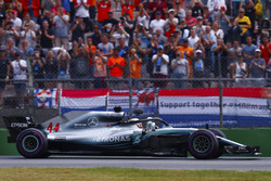 Lewis Hamilton, Mercedes AMG F1 W09, celebrates victory