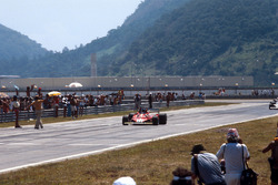 Финиш: Карлос Рейтеман, Ferrari 312T2