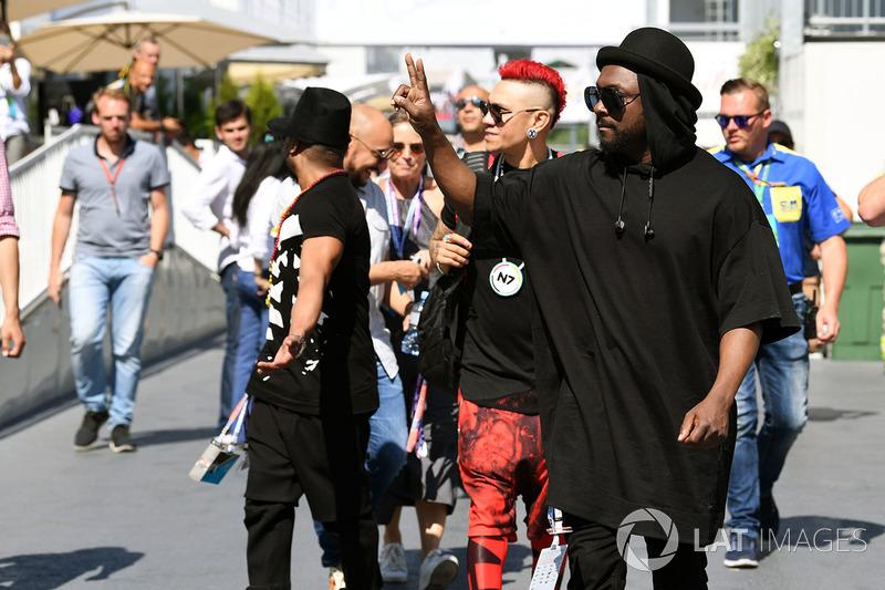 William James Adams aka Will.I.Am, Black Eyed Peas, Jaime Luis Gomez aka Taboo, Black Eyed Peas  und Allan Pineda Lindo aka Apl.de.ap, Black Eyed Peas
