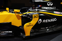 Renault Sport F1 Team RS17 sidepod detail