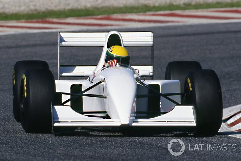 Ayrton Senna, McLaren MP4/8 equipado con un motor Chrysler/Lamborghini V12