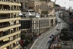 Kevin Magnussen, Haas F1 Team VF-17, Sergio Perez, Sahara Force India F1 VJM10, Lance Stroll, Williams FW40