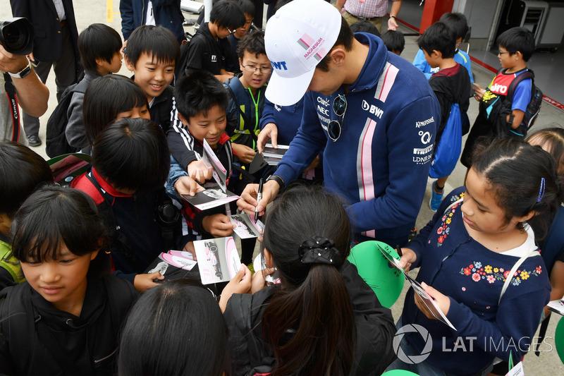 Esteban Ocon, Sahara Force India F1 signs autographs for the fans