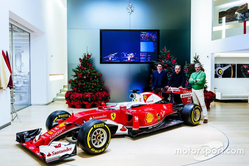 Maurizio Arrivabene, director del equipo Ferrari, Sergio Marchionne, Presidente y CEO de Fiat Chrysl