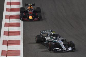 Valtteri Bottas, Mercedes AMG F1 W09 EQ Power+ and Max Verstappen, Red Bull Racing RB14