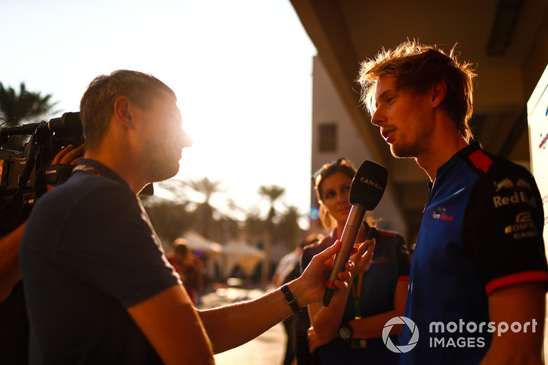 Brendon Hartley, Scuderia Toro Rosso, talks to the press