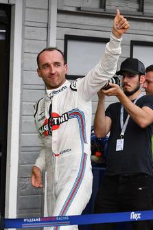 Robert Kubica, Williams, salue le public
