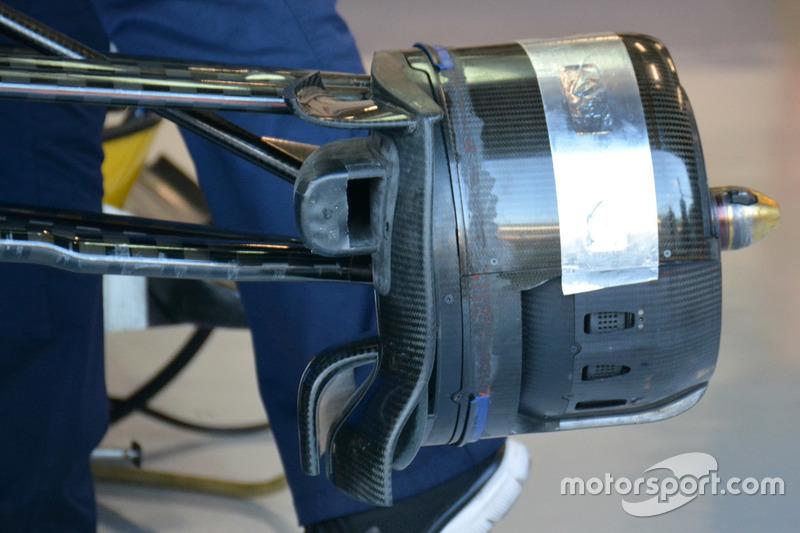 Sauber C35 front brake duct detail