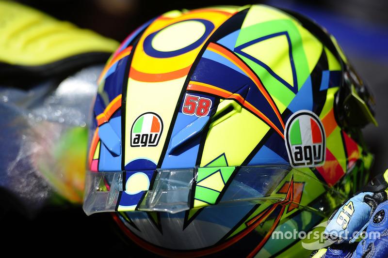 Il numero 58 di Marco Simoncelli sul casco di Valentino Rossi, Yamaha Factory Racing