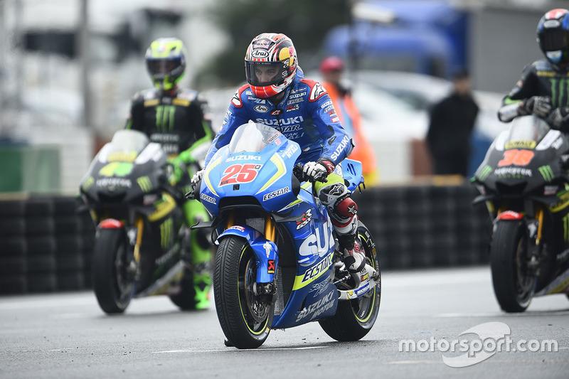 Maverick Viñales, Team Suzuki MotoGP, sulla griglia di partenza