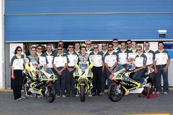 Gruppenfoto: Team LCR mit Casey Stoner