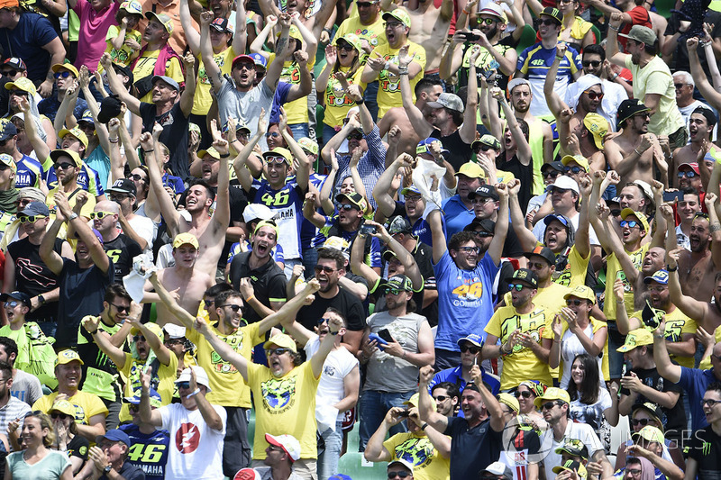 Rossi fans after Marquez crashed