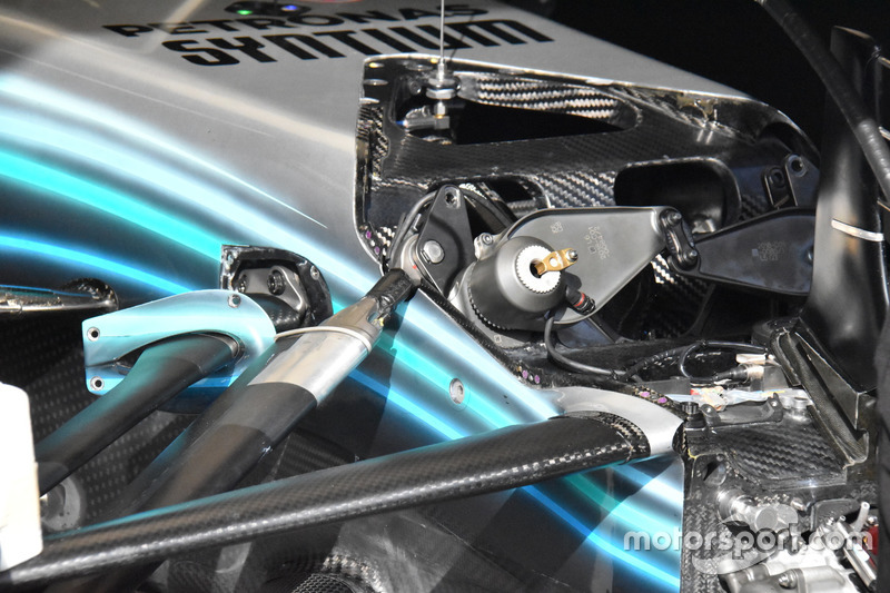 Mercedes AMG F1 W09 front suspension detail