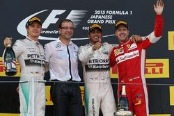 Нико Росберг, Mercedes AMG F1, победитель гонки Льюис Хэмилтон, Mercedes AMG F1, Себастьян Феттель, Ferrari