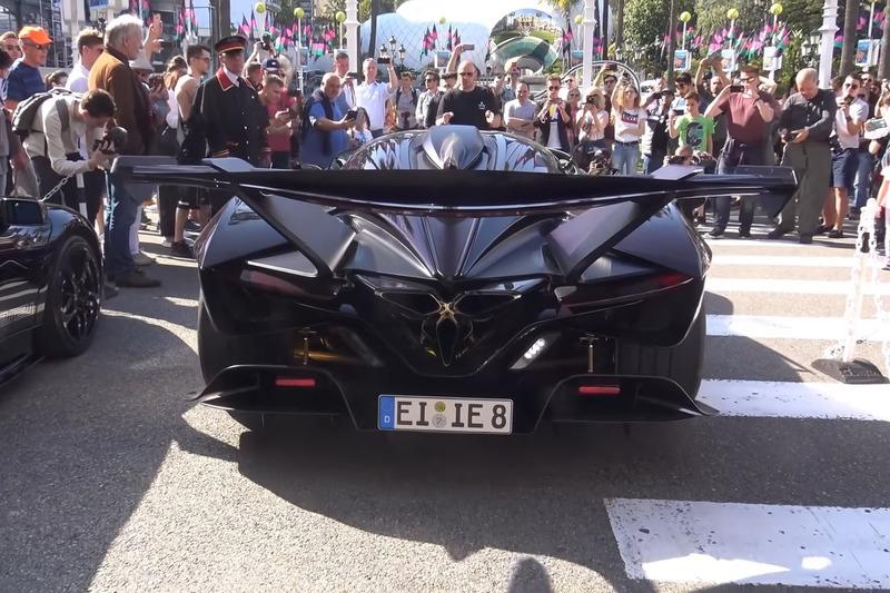 Autó Volt egy autó Monacóban, amely minden más elől ellopta a show-t