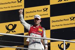 Подиум: обладатель третьего места Джейми Грин, Audi Sport Team Rosberg