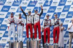 Подиум: победители Отт Тянак и Мартин Ярвеоя, Toyota Gazoo Racing WRC, второе место – Мадс Остберг и Торстейн Эриксен, Citroën World Rally Team, третье место – Яри-Матти Латвала и Миикка Анттила, Toyota Gazoo Racing WRC