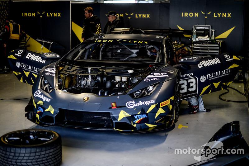 Lamborghini Huracan Iron Lynx