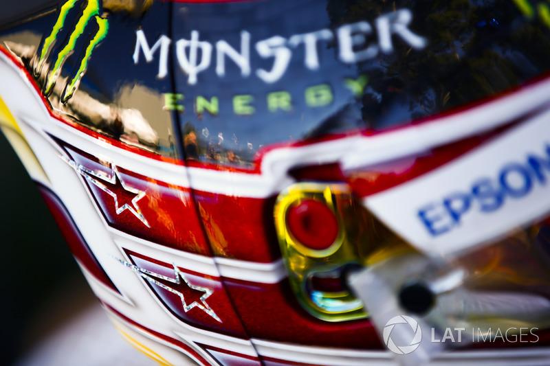 Шлем гонщика Mercedes AMG F1 Льюиса Хэмилтона