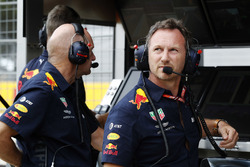 Adrian Newey, Chief Technical Officer, Red Bull Racing, and Christian Horner, Team Principal, Red Bull Racing, on the pit wall