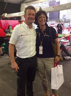 Monika Schreiner, LGT Group, con Allan McNish, responsabile Audi Sport