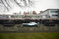 Lewis Hamilton, Mercedes AMG F1, Niki Lauda, Fahri Direktör, Mercedes AMG F1, Toto Wolff, Direktör Mercedes AMG F1 ve takım elemanları
