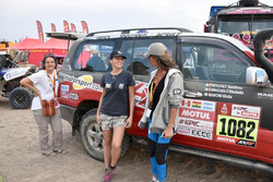 Da sx a dx: Elisabetta caracciolo, Giulia Matoni e Sandrine Freychet, l'equipaggio della Toyota HDJ100 di Motorsport.com