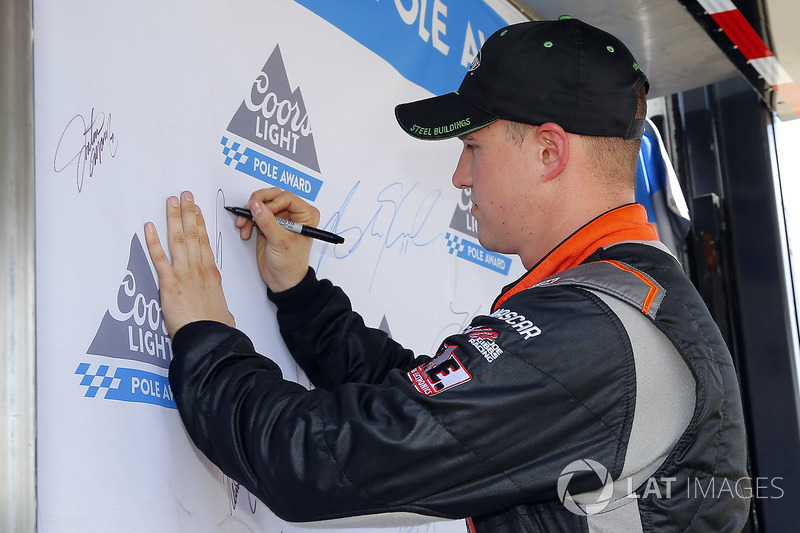 Ganador de la pole Ryan Preece, Joe Gibbs Racing Toyota
