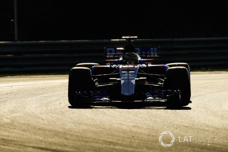Шон Гелаел, Scuderia Toro Rosso STR12