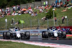 Lance Stroll, Williams FW40 and Felipe Massa, Williams FW40