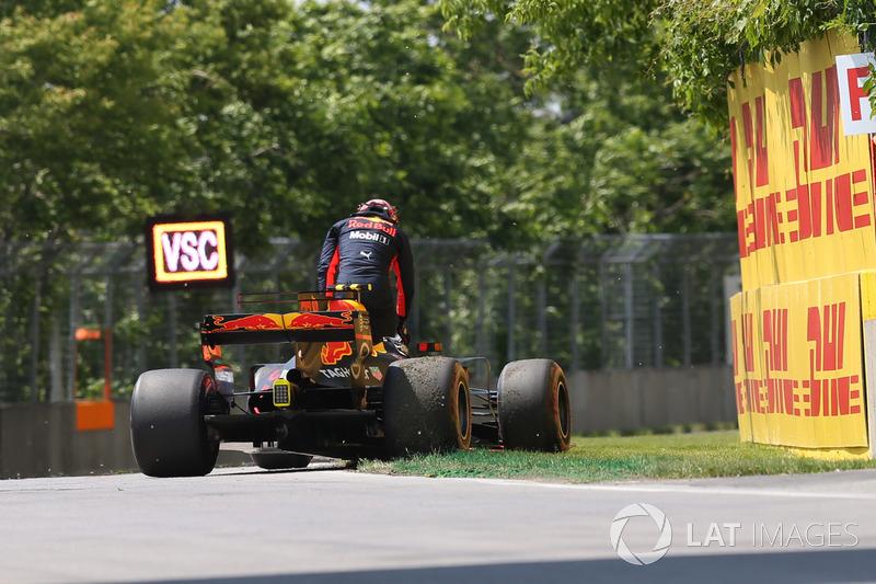 Сход: Макс Ферстаппен, Red Bull Racing RB13