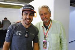 Fernando Alonso, McLaren, actor Michael Douglas