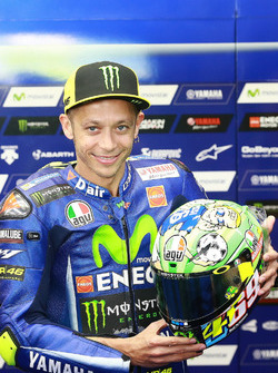 Valentino Rossi, Yamaha Factory Racing, mi neuem Helm