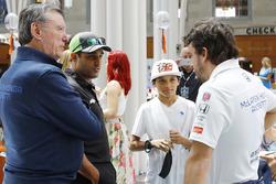 Johnny Rutherford, Juan Pablo Montoya, Team Penske Chevrolet, Fernando Alonso, Andretti Autosport Honda