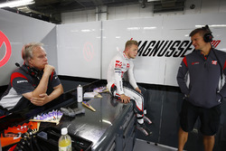 Gene Haas, owner and founder, Haas F1 Team, Kevin Magnussen, Haas F1 Team