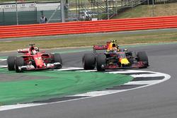 Sebastian Vettel, Ferrari SF70H, Max Verstappen, Red Bull Racing