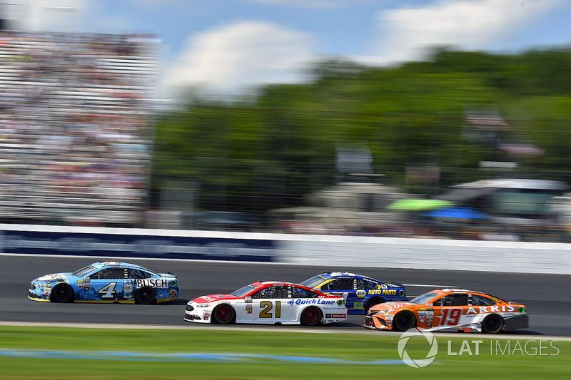 Kevin Harvick, Stewart-Haas Racing Ford, Ryan Blaney, Wood Brothers Racing Ford, Daniel Suárez, Joe Gibbs Racing Toyota