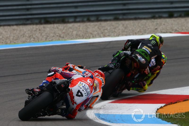 Valentino Rossi, Yamaha Factory Racing y Johann Zarco, Monster Yamaha Tech 3, Monster Yamaha Tech 3, contacto en la pista