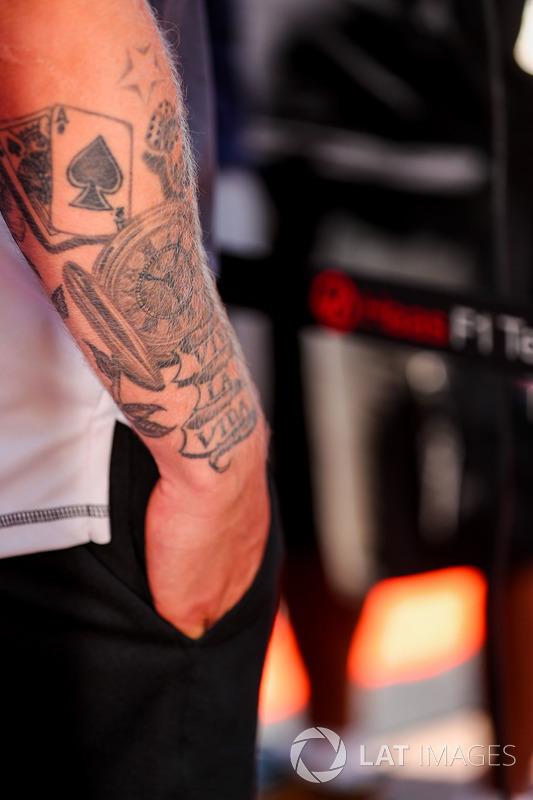 Tatuaje de mecánico