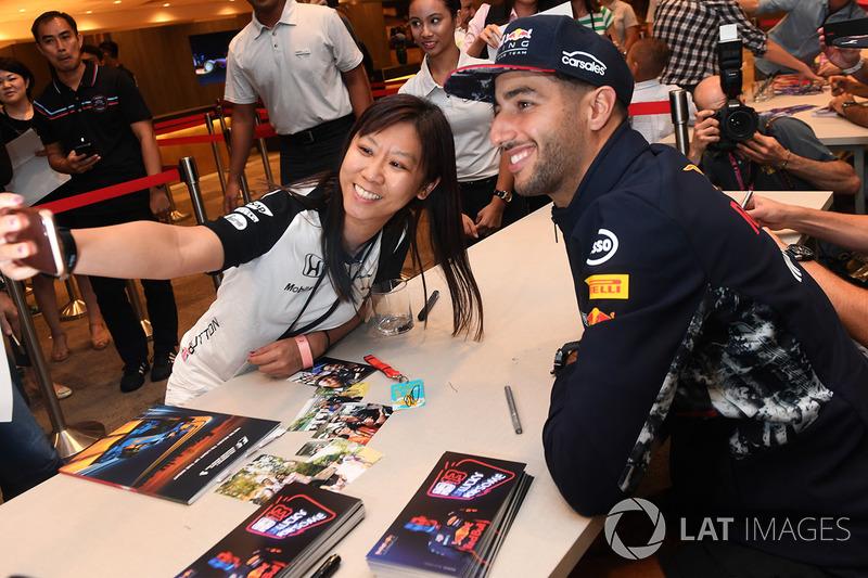 Daniel Ricciardo, Red Bull Racing mit Fans